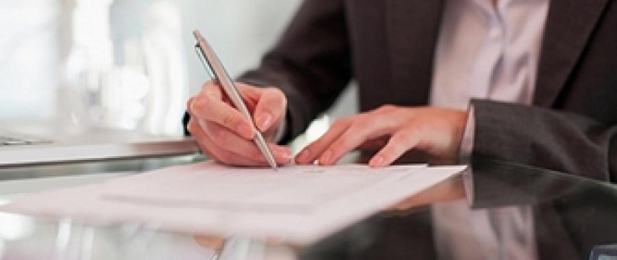 O contrato de experiência é feito para avaliar o desempenho e as habilidades de um profissional para exercer a função para a qual foi contratado.